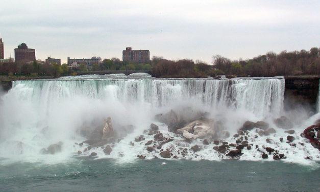 Enjoy Beautiful Niagara Falls Tours from Toronto!